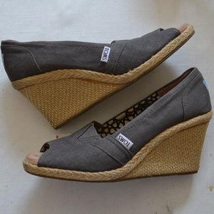 TOMS Gray Wedge peep toe Shoes sz 8.5 canvas